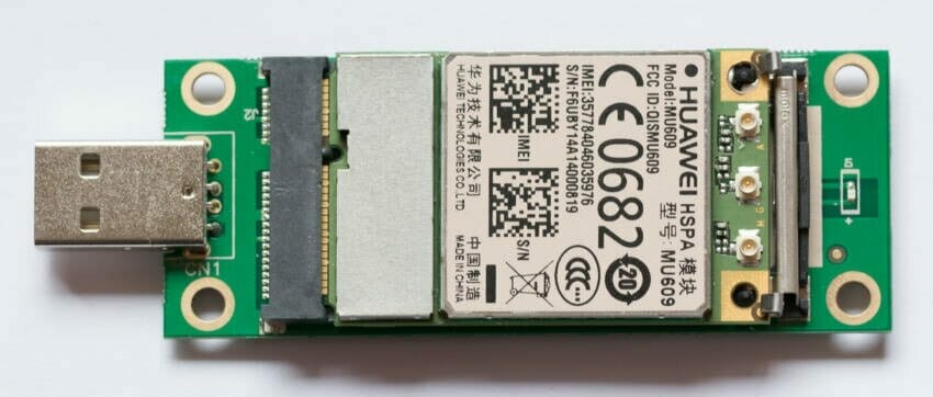 Mini PCI-e to USB Adapter, top with PCI-e MU609 modem